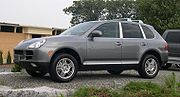 180px-2004_Porsche_Cayenne_S.jpg