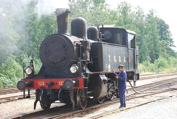 Ånglokomotivet TGOJ nr 125, litt Y3a, tillverkat 1908 och i trafik hos TGOJ mellan 1931 och 1966, numera hos Nora Bergslags Veteran-Jernväg i Nora. Fotografi: Bengt Oberger