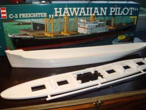Revell_05236_Hawaiian_Pilot.JPG