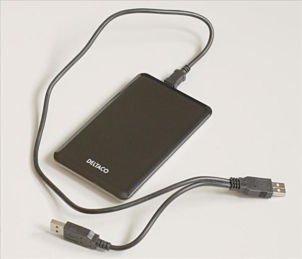 Kabinettet hopsatt och med USB-kabeln ansluten