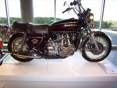 800px-1976_Honda_Gold_Wing_GL1000_01.jpg