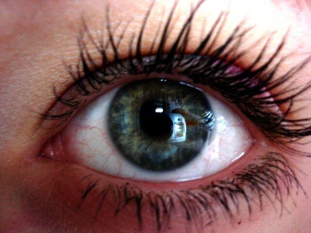 melerade ögon betyder