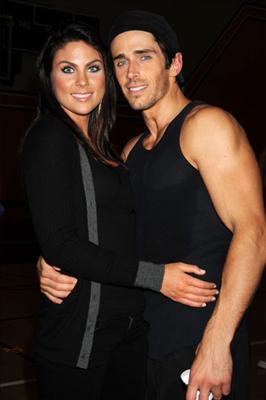 Chloe med pojkvän Brandon Beemer.jpg