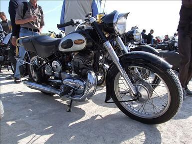 800px-Triumph_Boss.jpg