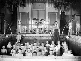 Badhuset, invändigt från 1904.  Foto: Elvert Erik