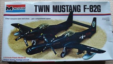 NA F-82G Twin Mustang_Monogram 7501_01c_2000.jpg