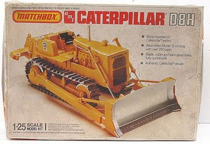 CaterpillarD8H_Matchbox-AMT PK-6123_1-25_b.jpg