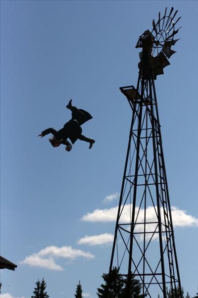 stunt_42376479.jpg