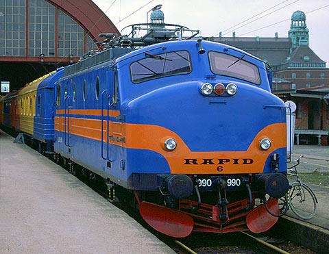 Ra 990