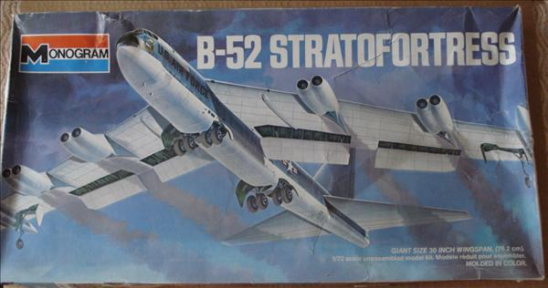 Monogram 8929_B-52 Stratofortress_01b.jpg