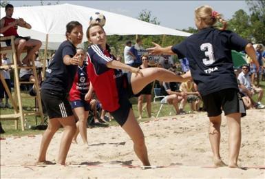 Skott mot mål i beachhandboll