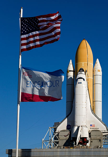 413px-Endeavour_atpad39A_STS130.jpg
