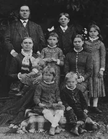 Gästgivaren Olof Persson och hans familj