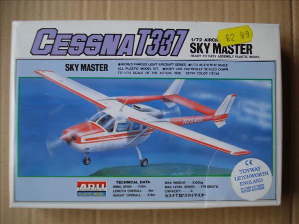 Cessna 337D Skymaster_Arii A-704_01.jpg