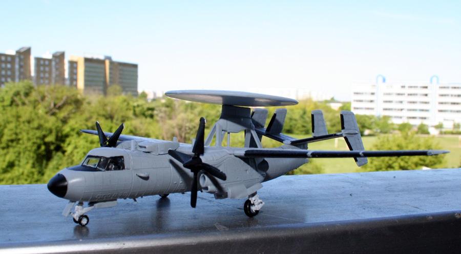 GB #8 E-2c Hawkeye, 1/144 heller