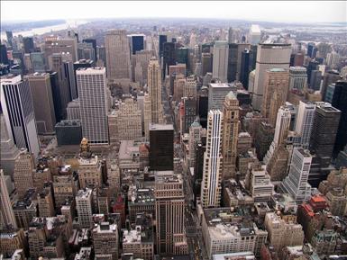 New York - View from Empire State Buildung, foto av Bernd Untiedt [källa: svenskspråkiga Wikipedia, http://sv.wikipedia.org/wiki/Fil:New-York-Jan2005.jpg]