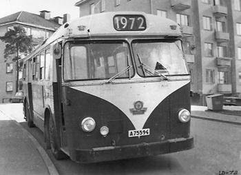 För skärmläsare: Bussen har fått destinationsskylt 1972