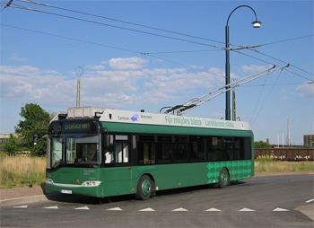 Bilden: En modern grön trådbuss i Landskrona. Samma bild som på löpsedelsbilden