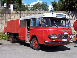 250px-Mercedes-Benz_LPO_322.jpg