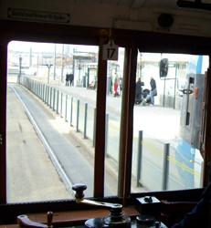 Bilden: Vy från förarplatsen