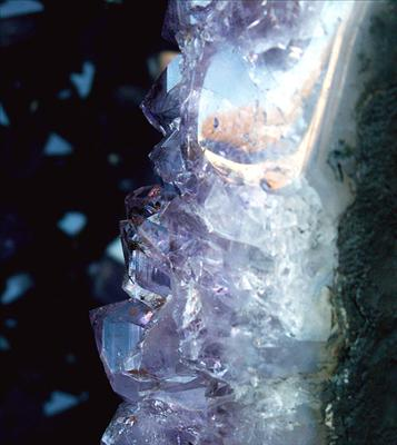 crystal-healing.jpg