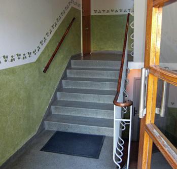 Gårdskarlen Nilsson, en trappa upp...